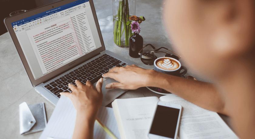 Studeertips - Scriptie laten nakijken: is het je geld waard?